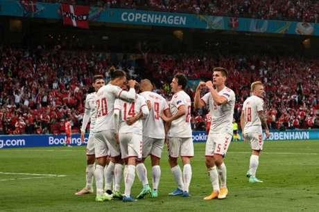 Dinamarqueses venceram os russos na Euro (Foto: JONATHAN NACKSTRAND / POOL / AFP)
