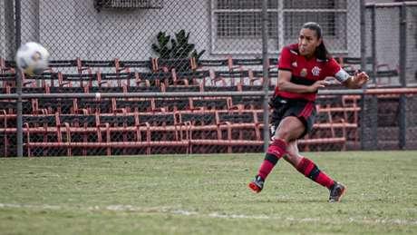 Aos 41' do segundo tempo, Ana Carla marcou de falta contra o Avaí/Kindermann (Foto:Paula Reis / Flamengo)