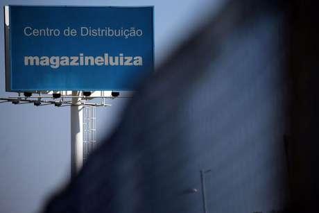 Logo do Magazine Luiza em centro de distribuição em Louveira (SP)  24/04/2018 REUTERS/Paulo Whitaker
