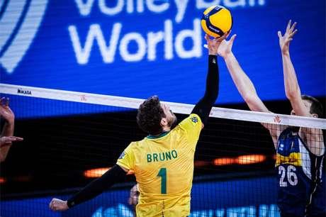 Bruninho em ação contra Itália (Foto: Divulgação/FIVB)
