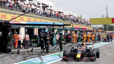 Sergio Pérez após a parada nos boxes durante o GP da França.