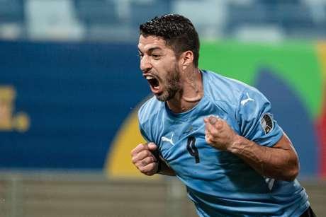 Uruguai e Chile empatam em partida disputada pela Copa América nesta segunda-feira (21)