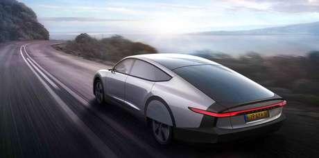Lightyear One traz carroceria de perfil cupê e design futurista.