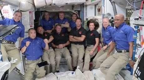 Astronautas a bordo da Estação Espacial Internacional 24/04/2021 NASA TV via REUTERS