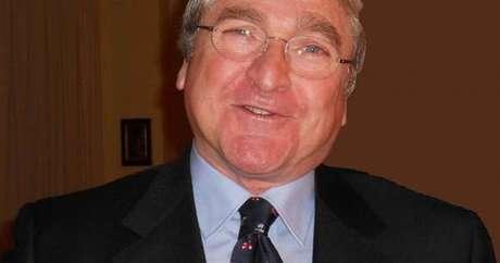 Giovanni 'Vanni' Calì tem 74 anos e é um engenheiro bastante conhecido em Catânia