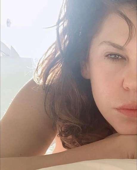 A atriz falou abertamente sobre o assunto no podcast Almasculina.