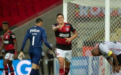Pedro comemorando gol pelo Flamengo (Foto: Alexandre Vidal/Flamengo)