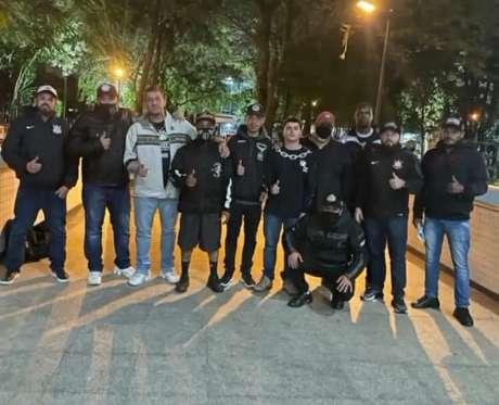 Os membros da Gaviões da Fiel que se reuniram com a diretoria do Corinthians nessa terça (Foto: Divulgação)
