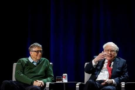 Warren Buffett ao lado de Bill Gates durante evento da Universidade Columbia, em Nova York  27/01/2017 REUTERS/Shannon Stapleton