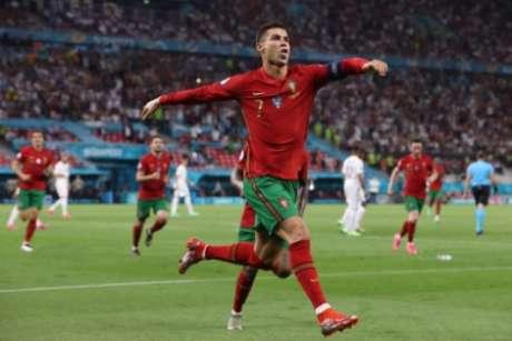 Cristiano Ronaldo tem 109 gols pela seleção portuguesa (Foto: BERNADETT SZABO / POOL / AFP)