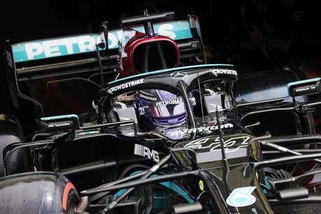 Hamilton está 12 pontos atrás de Verstappen na classificação