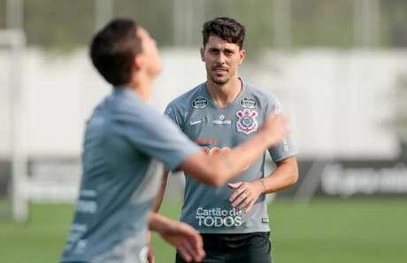 Danilo Avelar em treinamento