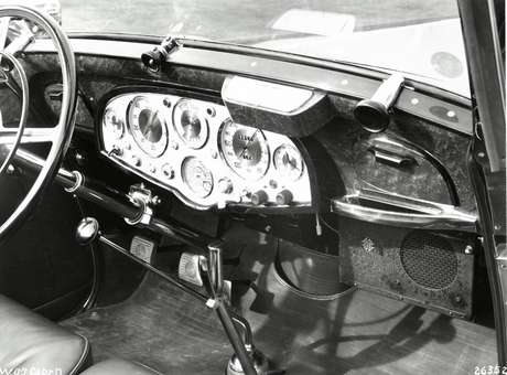 Primeiros rádios automotivos surgiram nos anos 1920.