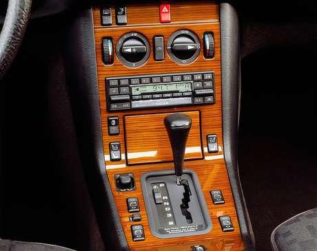 Anos 60 marcou o surgimento de tecnologias como o rádio-cassete e som estéreo.