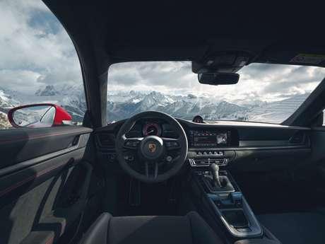 Porsche 911 GTS: muitos detalhes de exclusividade.