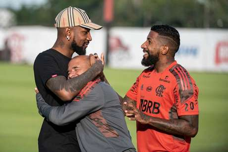 Gerson compareceu ao Ninho do Urubu para última despedida (Foto: Alexandre Vidal/Flamengo)