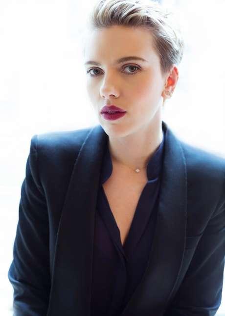 Scarlett Johansson fará filme inspirado em passeio da Disney