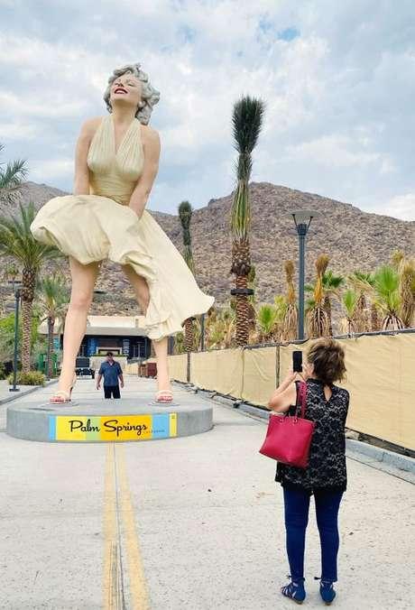 Estátua de Marilyn Monroe em Palm Springs 23/06/2021 REUTERS/Norma Galeana