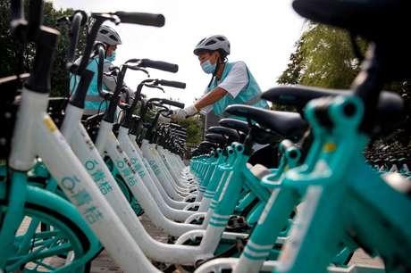 Bicicletas do serviço de transporte por aplicativo da chinesa DiDi. 7/8/2020. REUTERS/Thomas Peter