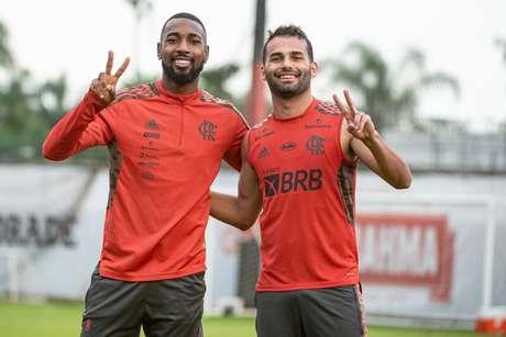 Gerson e Thiago Maia no último treino do Coringa pelo Fla, na última terça-feira (Foto: Alexandre Vidal / Flamengo)