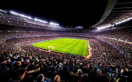 Torcida poderá voltar aos estádios em jogos da La Liga (Foto: Reprodução)