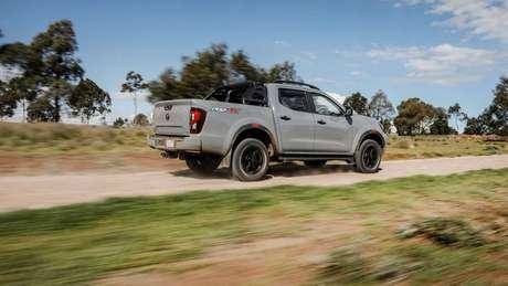 Nova Nissan Frontier terá a mesma plataforma da futura geração da Mitsubishi L200 Triton.