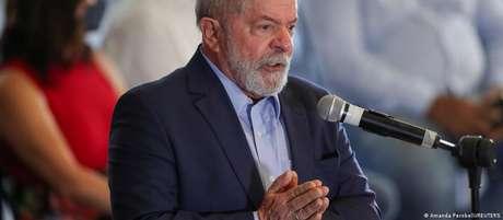 Presidente do PT espera que conversas de Lula com partidos de centro possam desenhar frente antibolsonaro ao menos num segundo turno contra Bolsonaro