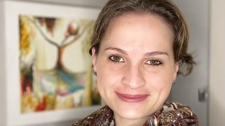 Pediatra infectologista Julia Spinardi, líder médica de vacinas da Pfizer Brasil, entende que não é hora de escolher o imunizante de um fabricante ou de outro