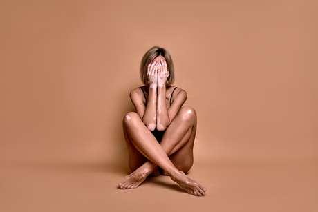 É recomendado que os pacientes com vitiligo evitem situações de estresse