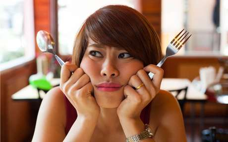 5 dicas para separar os sinais da fome real e da emocional