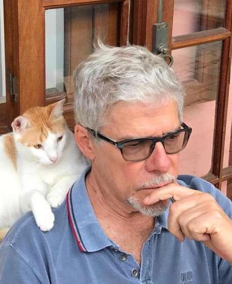 Zé e o gato Petruchio.