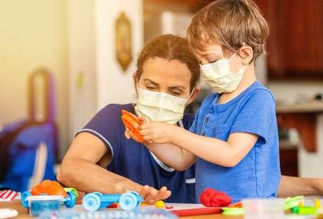 Dificuldades na fala ou na alimentação são comuns em cenários de estresse entre as crianças