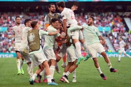 Espanha enfrentará França ou Suíça nas quartas de final (Foto: STUART FRANKLIN / POOL / AFP)