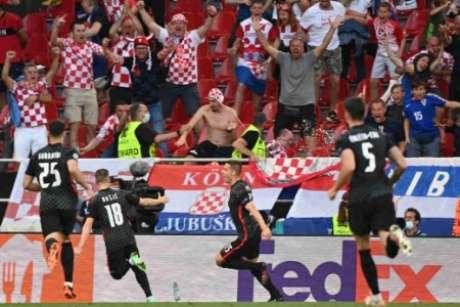 Croácia não desistiu da partida (Foto: JONATHAN NACKSTRAND / AFP)