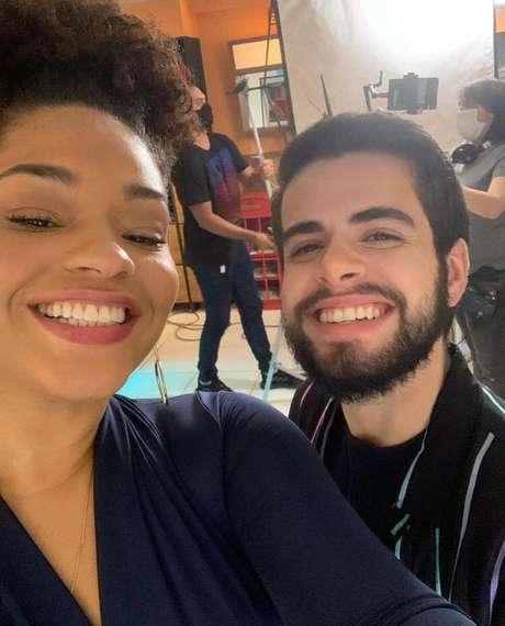 Juliana Alves e Bernardo de Assis são responsáveis por protagonizar o beijo.