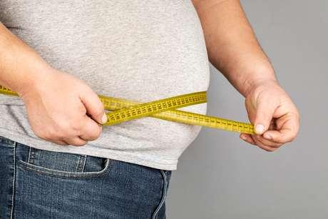 O obeso só chega ao acúmulo excessivo de peso porque tem disfunções em seu organismo