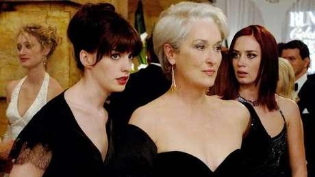 No filme, Miranda é extremamente exigente e não espera menos do que a perfeição dos funcionários.
