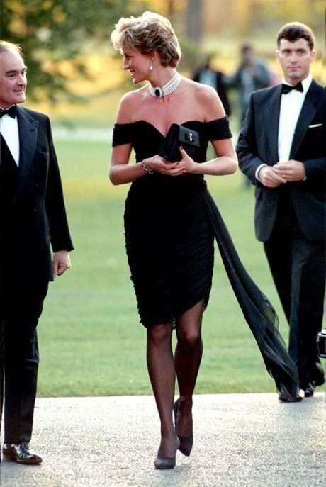 Até hoje os looks de Lady Di inspiram as fashionistas de plantão.