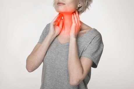 Segundo o especialista, os primeiros sinais do tumor orofaríngeo podem aparecer por meio de feridas