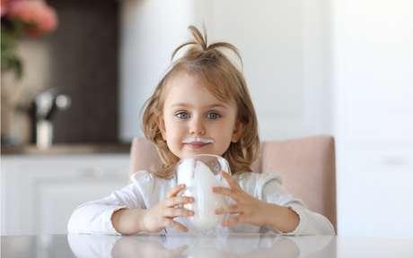 Importante na dieta, leite é um copo cheio de vantagens