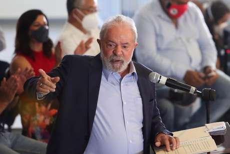 Ex-presidente Luiz Inácio Lula da Silva durante entrevista coletiva em São Bernardo do Campo 10/03/2021 REUTERS/Amanda Perobelli