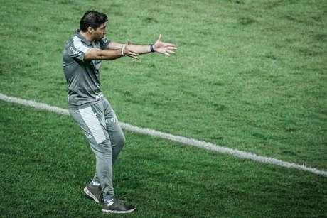O técnico Abel Ferreira pode voltar a comandar o Palmeiras neste domingo
