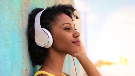 Confira alguns dos melhores podcasts para ouvir durante a semana!