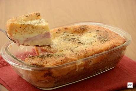 Guia da Cozinha - Torta-sanduíche na travessa para uma refeição rápida