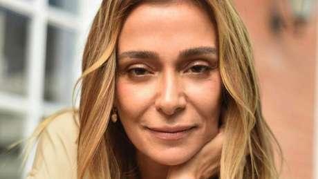 Web criticou a postura de Mônica ao participar da festa de aniversário de Marina Ruy Barbosa no último final de semana.