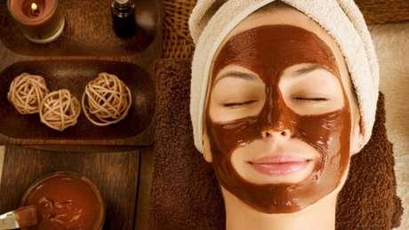 Use e abuse das máscaras faciais de chocolate