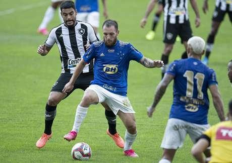 Botafogo e Cruzeiro estariam de olho em virada de mesa no Brasileiro
