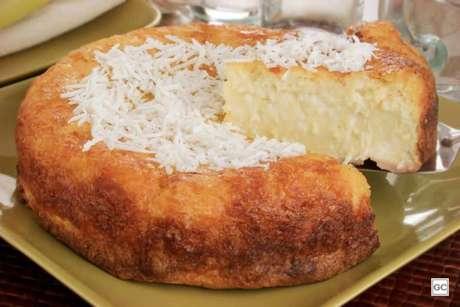 Guia da Cozinha - Receita de bolo-queijadinha molhadinho
