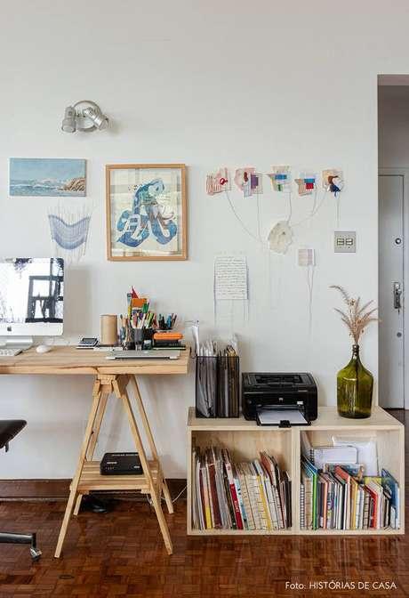 64. A mesa cavalete é fácil de fazer e econômica – Foto Histórias de Casa