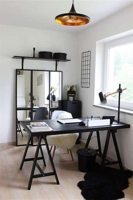 55. Mesa cavalete preta para escritório moderno – Foto Decore Warding